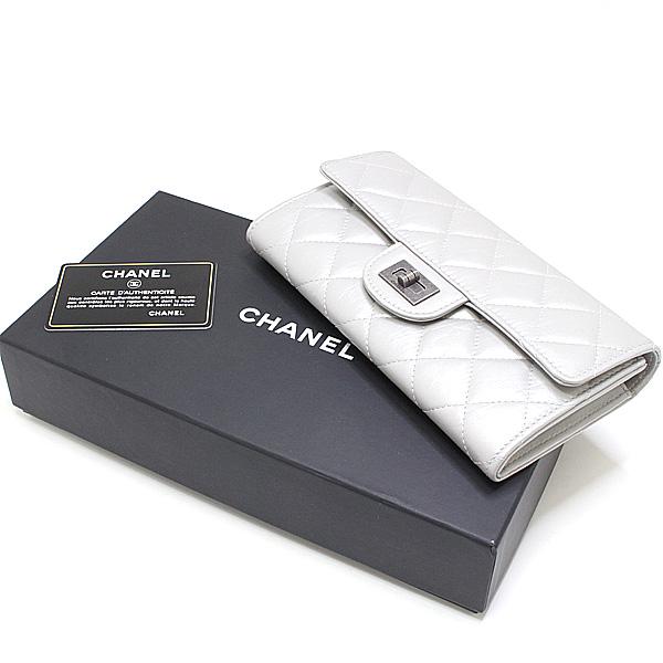 商品アップしました!CHANEL シルバーカラー長財布