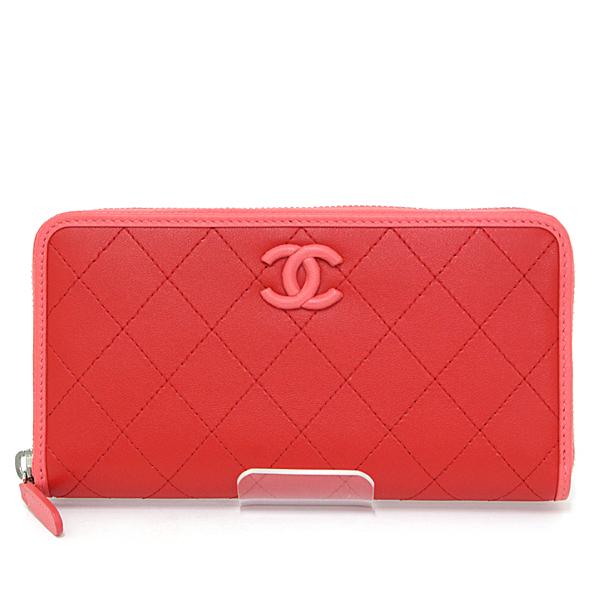 バイカラーが可愛らしいのシャネルのお財布です♪