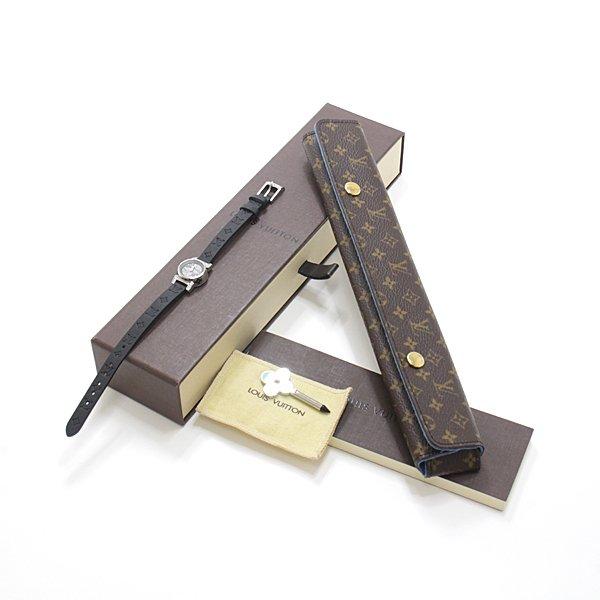 文字盤のモノグラム・スターフラワーとラグにホワイトダイヤモンドをあしらった Louis Vuittonならではの贅沢な時計 タンブール・ビジュのご紹介です。