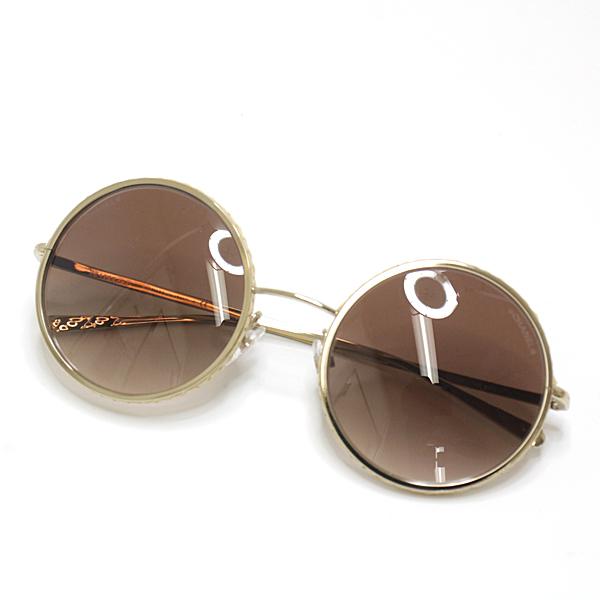 夏のお出かけはシャネルのサングラスで決まり♪ レンズ周りのストロー素材がリゾート感あふれるラウンドシェイプサングラスです。