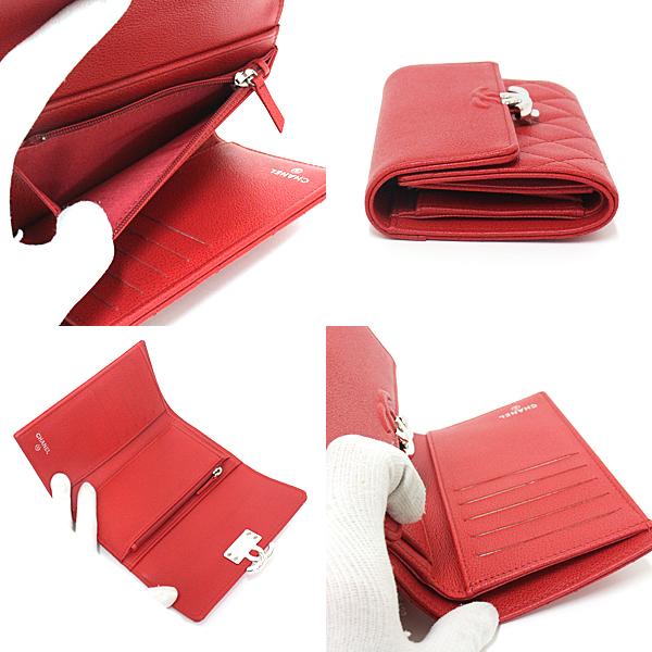 真っ赤なキャビアスキンとシルバー金具の組み合わせがセレブ感を漂わせる CHANEL フラップウォレット のご紹介です。