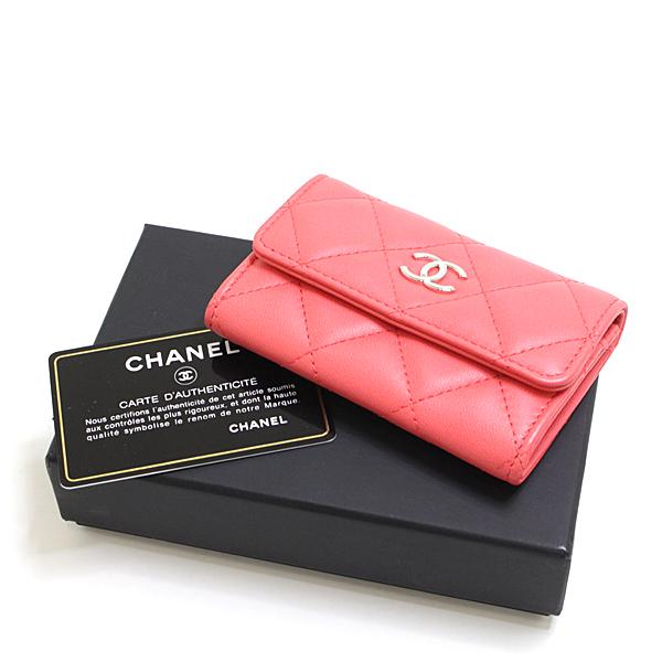 春色ピンクカラーのシャネル マトラッセ カードケースはいかがですか?